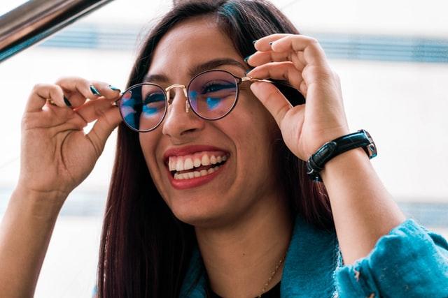 How Prismatic Lenses in Glasses Work